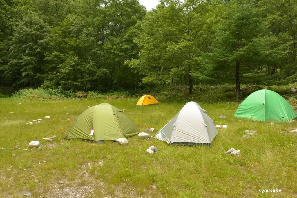横尾キャンプ場 マイテントは黄色のゴアライト